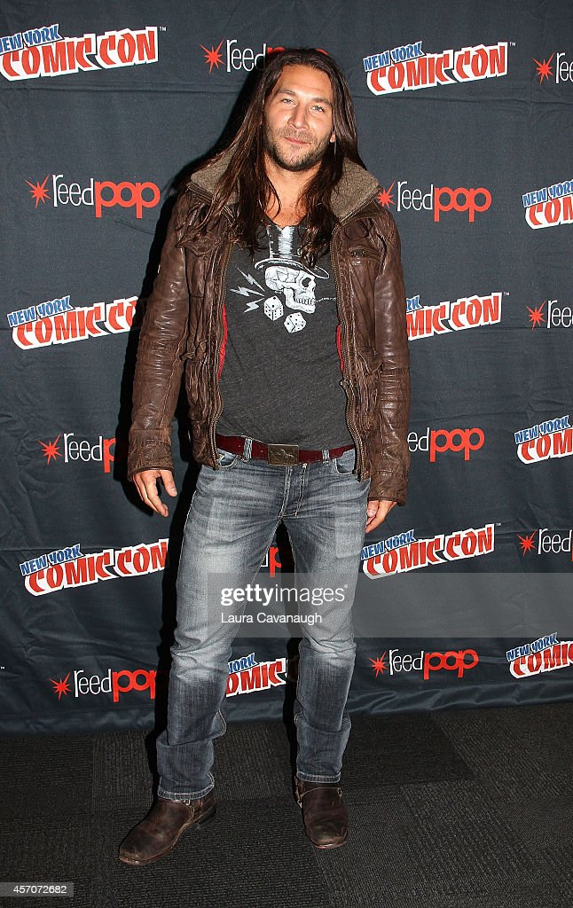 <a gi-track='captionPersonalityLinkClicked' href=/galleries/search?phrase=Zach+McGowan&family=editorial&specificpeople=5583928 ng-click='$event.stopPropagation()'>Zach McGowan</a> in the 'Black Sails' Press Room at 2014 New York Comic Con - Day 3 at Jacob Javitz Center on October 11, 2014 in New York City.