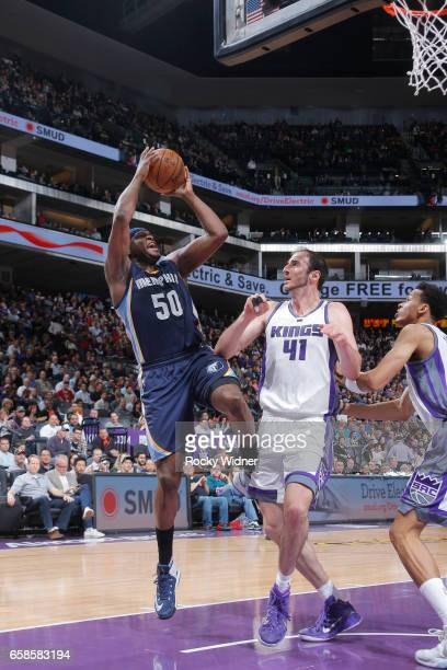 Zach Randolph of the Memphis Grizzlies shoots the ball during a game against the Sacramento Kings on March 27 2017 at Golden 1 Center in Sacramento...