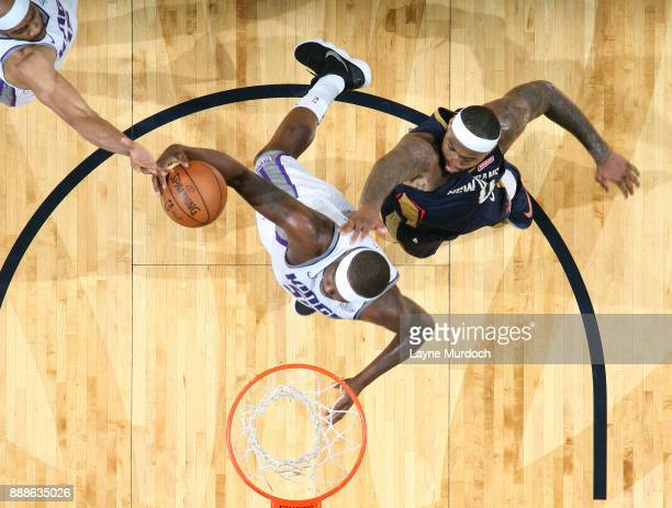 Zach Randolph of the Sacramento Kings dunks against DeMarcus Cousins of the New Orleans Pelicans on December 8 2017 at Smoothie King Center in New...