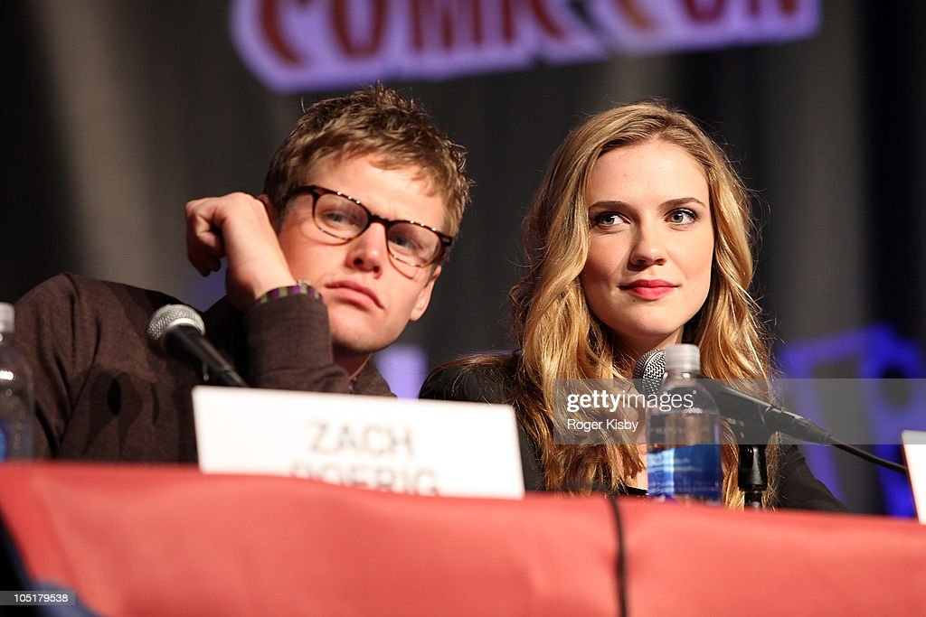 Zach Roerig (L) and Sara Canning attend The Vampire Diaries panel at the 2010 New York Comic Con at the Jacob Javitz Center on October 10, 2010 in New York City.