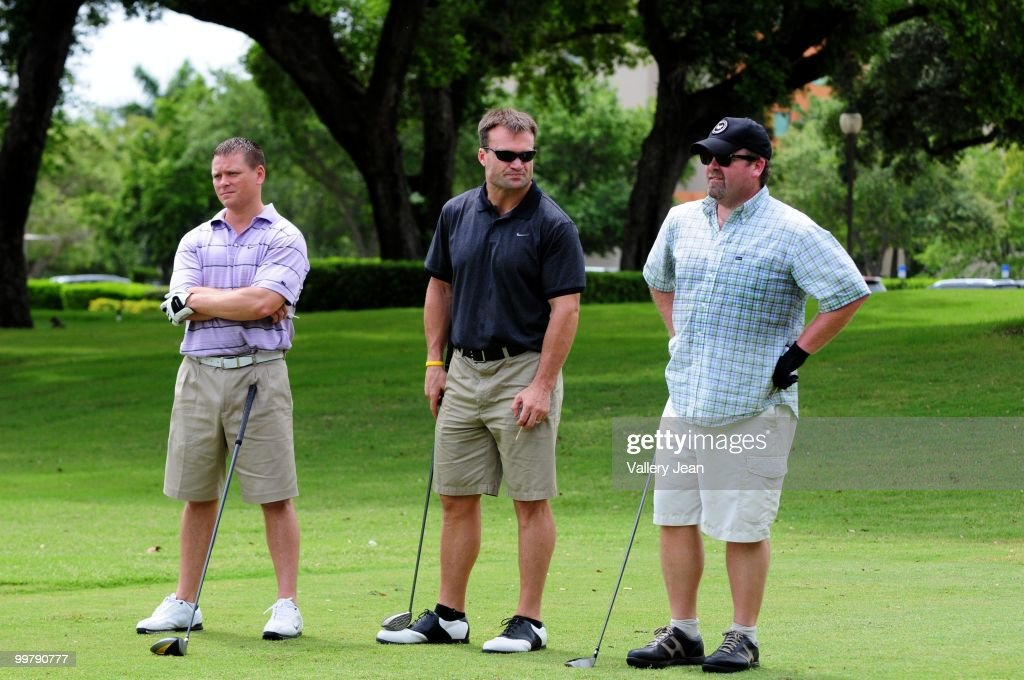 Zach Thomas NFL free agent player attends The Jason Taylor Celebrity Golf Classic at Grande Oaks Golf Club on May 17, 2010 in Davie, Florida.