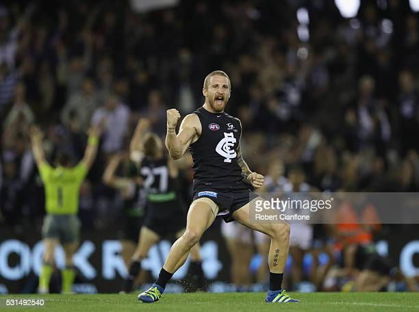 Zach Tuohy of the Blues celebrates on the siren after the Blues defeated the Power during the round eight AFL match between the Carlton Blues and...
