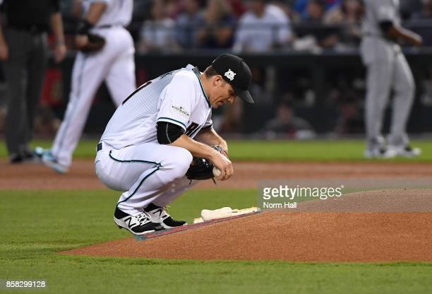 Zack Greinke of the Arizona Diamondbacks prepares to pitch against the Colorado Rockies during the National League Wild Card Game at Chase Field on...