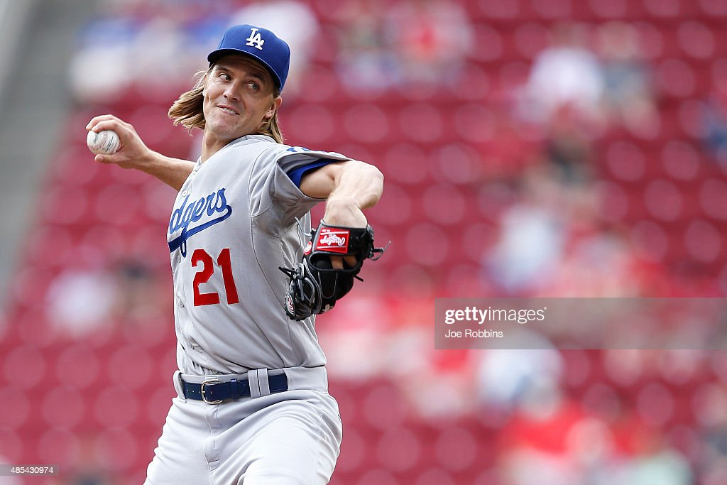 Zack Greinke #21 of the Los Angeles Dodgers pitches in the first inning against the Cincinnati Reds at Great American Ball Park on August 27, 2015 in Cincinnati, Ohio. The Dodgers defeated the Reds 1-0.