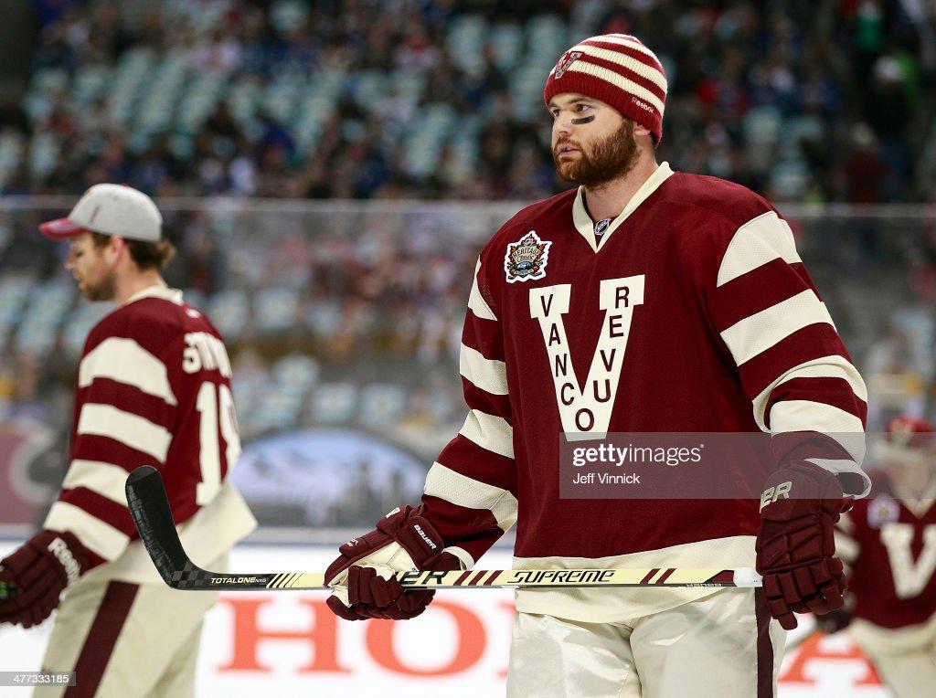 2014 Tim Hortons NHL Heritage Classic - Ottawa Senators v Vancouver Canucks