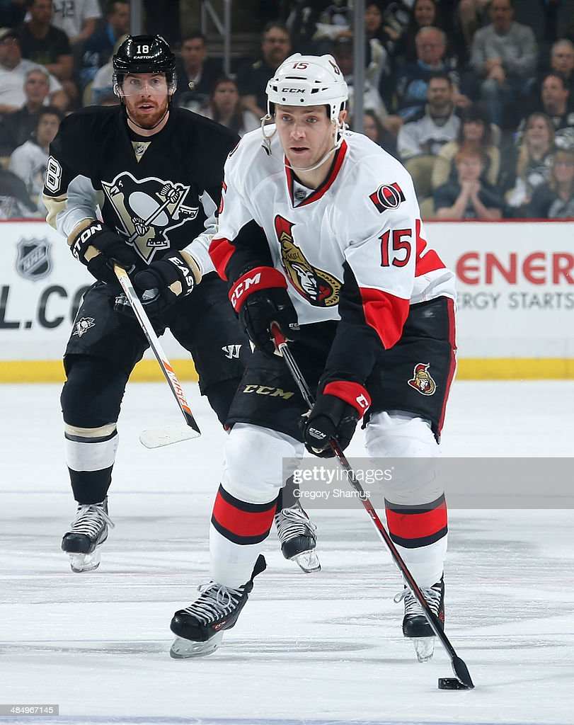 Zack Smith #15 of the Ottawa Senators moves the puck against the Pittsburgh Penguins on April 13, 2014 at Consol Energy Center in Pittsburgh, Pennsylvania.