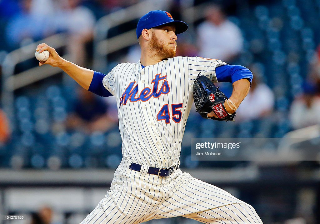 Zack Wheeler #45 of the New York Mets in action against the Atlanta Braves at Citi Field on August 27, 2014 in the Flushing neighborhood of the Queens borough of New York City. The Braves defeated the Mets 3-2.