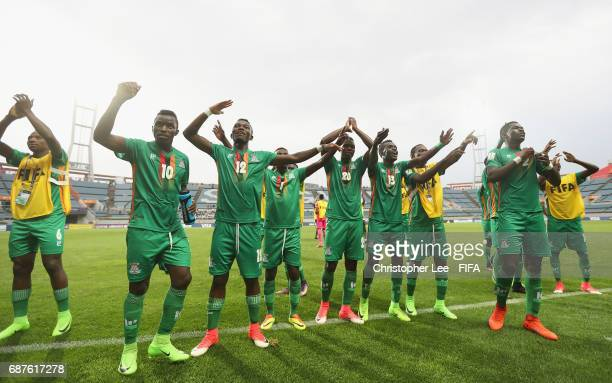 Zambia players celebrate their victory during the FIFA U20 World Cup Korea Republic 2017 group C match between Zambia and Iran at Jeju World Cup...