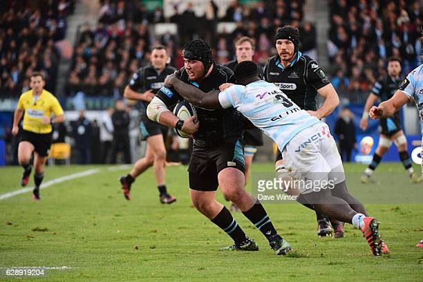 Zander Fagerson of Glasgow Warriors and Sedate Gomes Sa of Racing 92 during the European Champions Cup match between Racing 92 and Glasgow Warriors...
