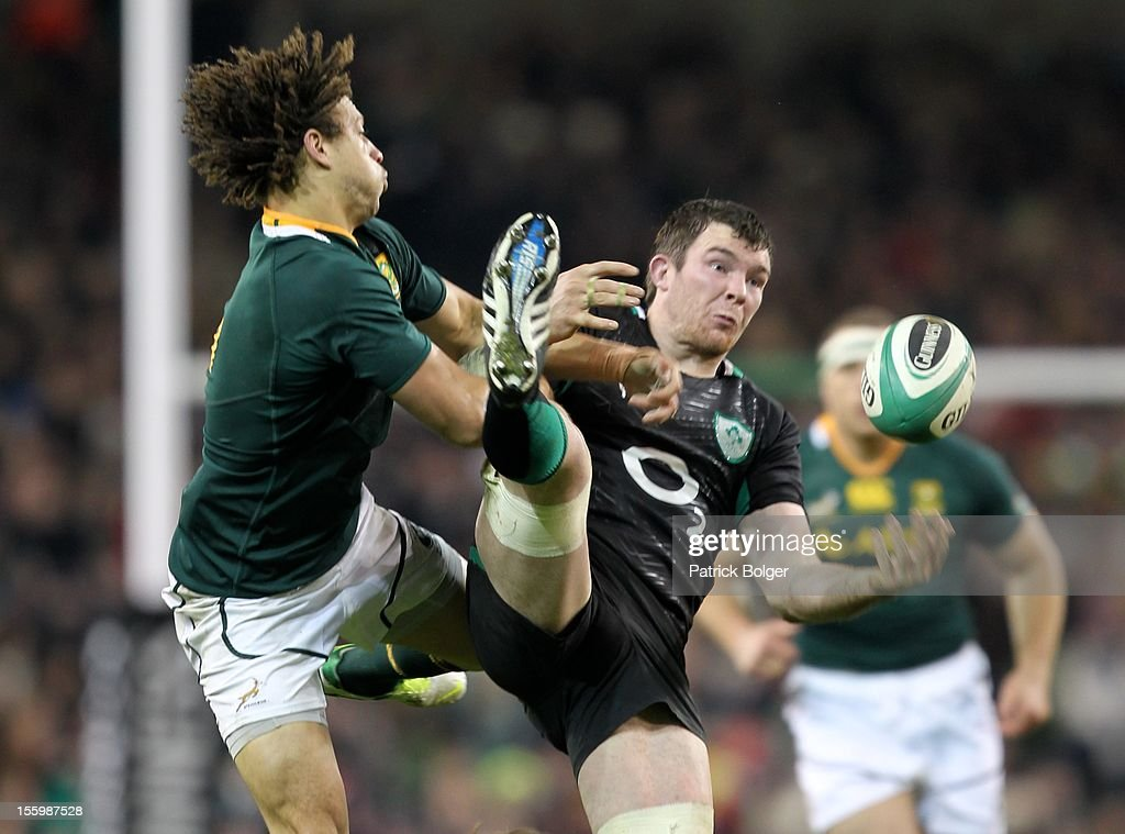 Zane Kirchner of South Africa and Peter O'Mahony of Ireland during the International rugby match between Ireland and South Africa in the Aviva Stadium on November 10, 2012 in Dublin, Ireland.