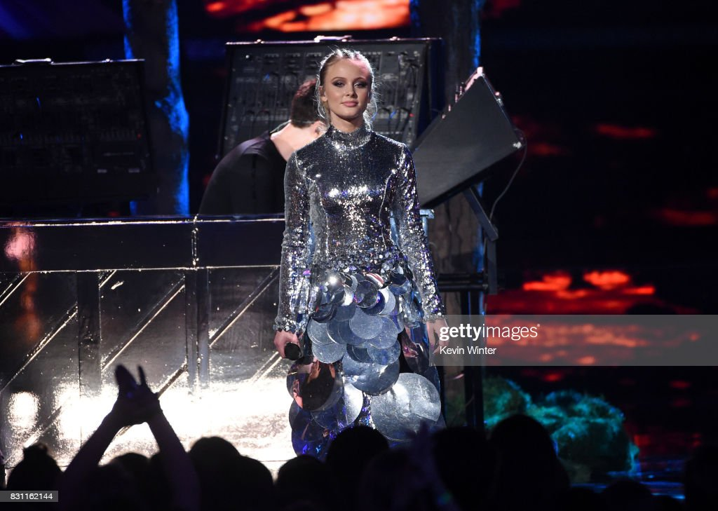 Zara Larsson performs with Clean Bandit onstage during the Teen Choice Awards 2017 at Galen Center on August 13, 2017 in Los Angeles, California.