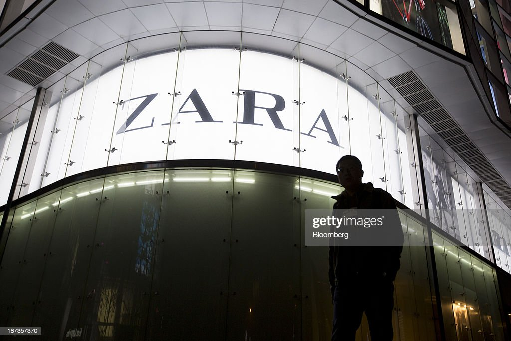 A Zara store, operated by Inditex SA, stands in Jinan, China, on Wednesday, Nov. 6, 2013. The third plenary session of the 18th Communist Party of China Central Committee will be held from Nov. 9 to Nov. 12 in Beijing. Photographer: Brent Lewin/Bloomberg via Getty Images