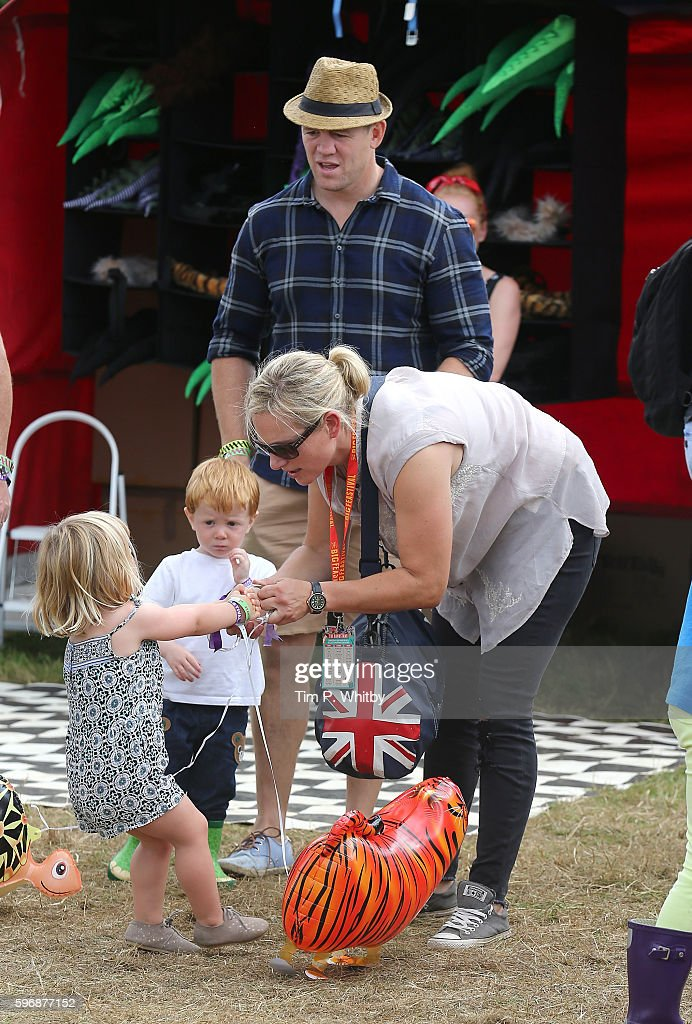 zara-tindall-and-mike-tindall-buy-their-daughter-mia-tindall-a-toy-picture-id596877152