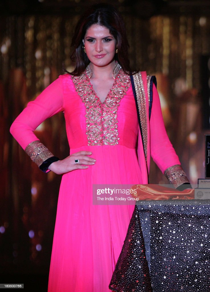 Zarine Khan walks the ramp during a fashion show organised by India International Bullion Summit showcasing exquisite jewellery.
