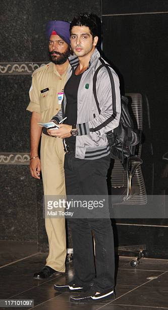 Zayed Khan spotted at Mumbai airport as leaves for the IIFA Awards in Toronto Canada In Mumbai on June 20 2011