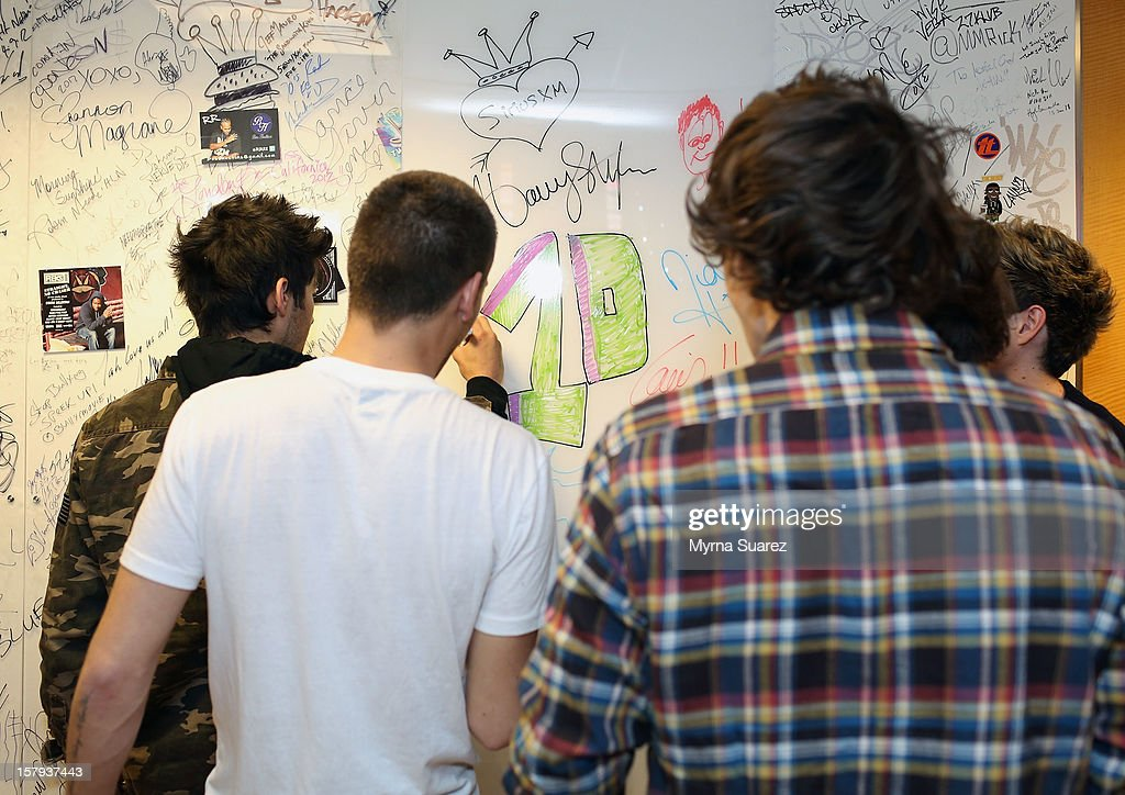 Zayn Malik, Liam Payne, Harry Styles, Louis Tomlinson and Niall Horan of One Direction visit SiriusXM's 'Artist Confidential' Series at SiriusXM Studios on December 7, 2012 in New York City.