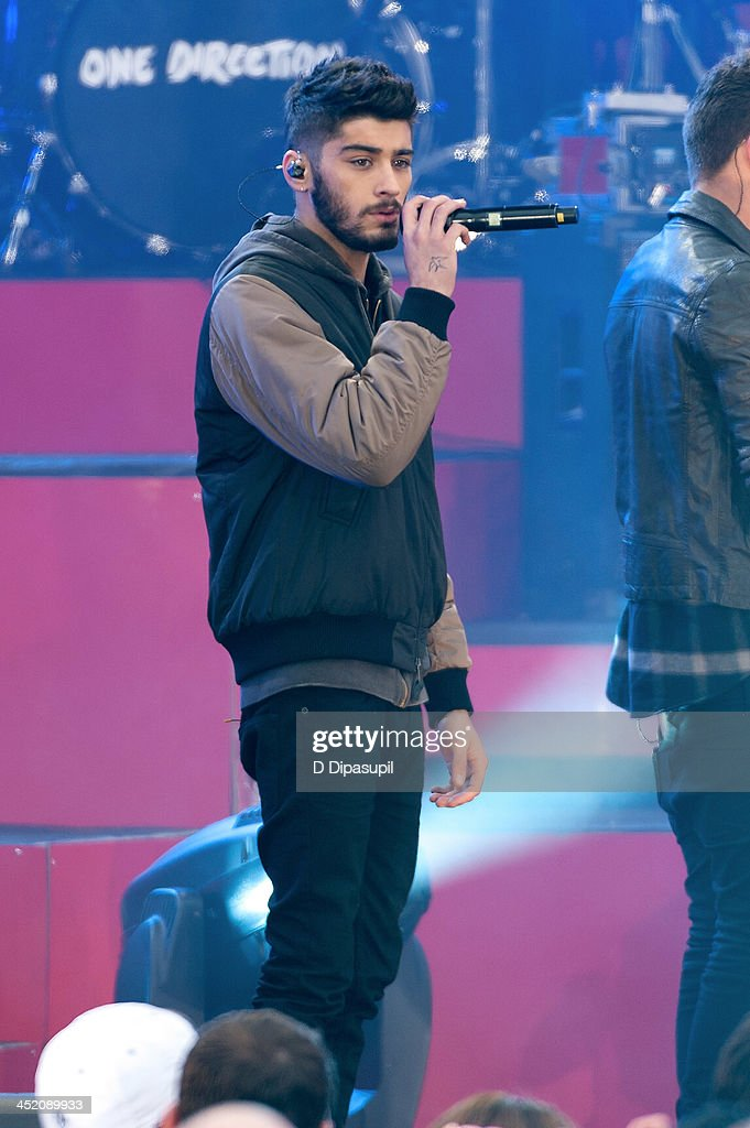 <a gi-track='captionPersonalityLinkClicked' href=/galleries/search?phrase=Zayn+Malik&family=editorial&specificpeople=7298822 ng-click='$event.stopPropagation()'>Zayn Malik</a> of One Direction performs on ABC's 'Good Morning America' at Rumsey Playfield, Central Park on November 26, 2013 in New York City.