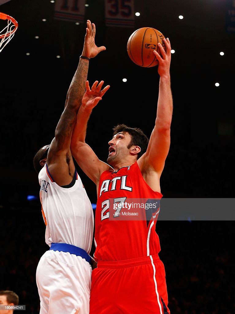 Zaza Pachulia #27 of the Atlanta Hawks in action against the New York Knicks at Madison Square Garden on January 27, 2013 in New York City. The Knicks defeated the Hawks 106-104.