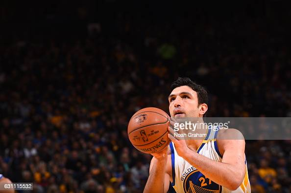 Zaza Pachulia of the Golden State Warriors shoots the ball against the Memphis Grizzlies on January 6 2017 at ORACLE Arena in Oakland California NOTE...