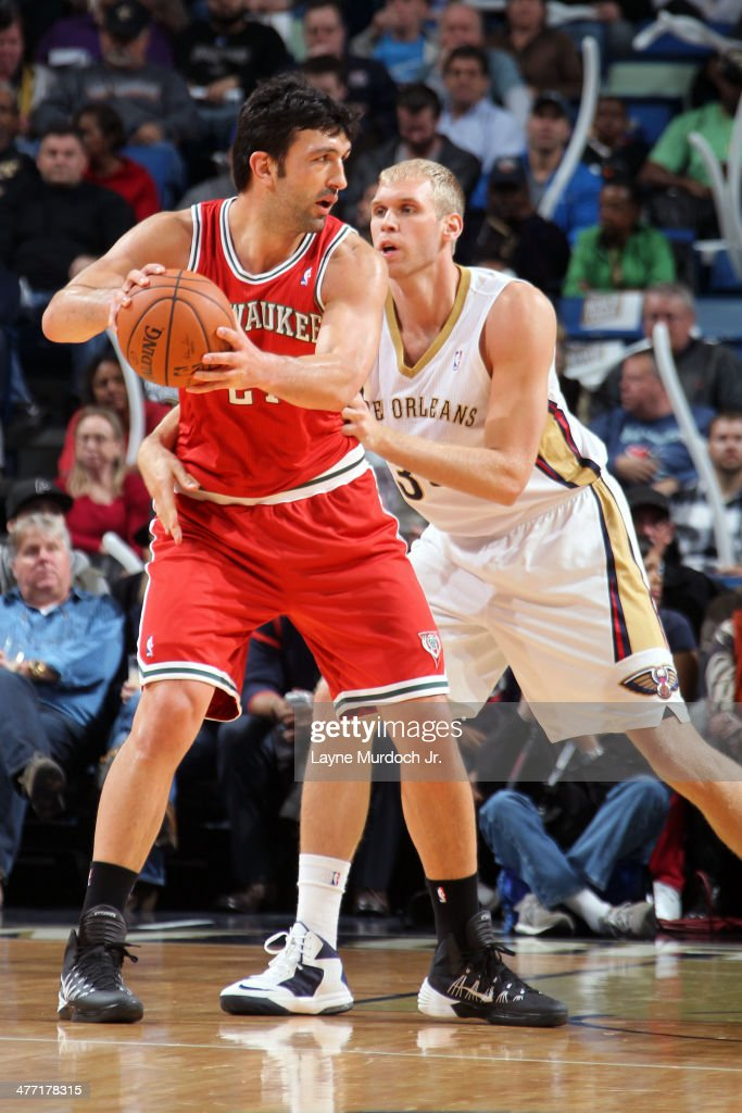 Zaza Pachulia #27 of the Milwaukee Bucks handles the ball against the New Orleans Pelicans on March 7, 2014 at the Smoothie King Center in New Orleans, Louisiana.