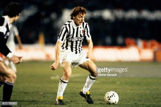 Zbigniew BONIEK Juventus Turin / Bordeaux 1/2 finale aller Coupe d'Europe des Clubs Champions Stadio Communale
