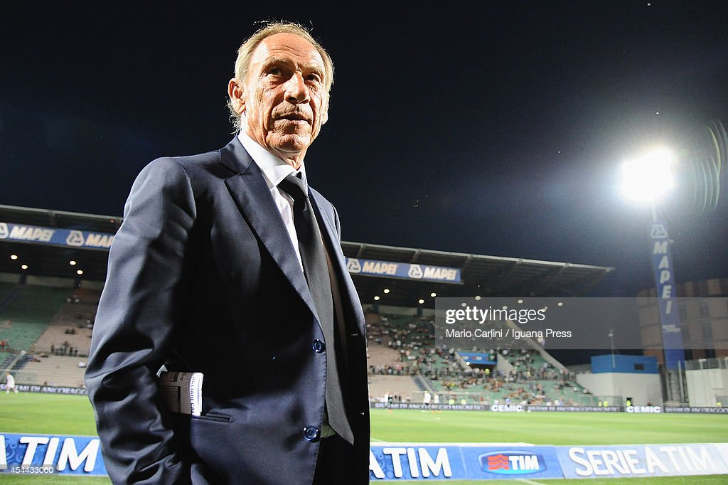 <a gi-track='captionPersonalityLinkClicked' href=/galleries/search?phrase=Zdenek+Zeman&family=editorial&specificpeople=628975 ng-click='$event.stopPropagation()'>Zdenek Zeman</a> head coach of Cagliari Calcio looks on before the Serie A match between US Sassuolo Calcio and Cagliari Calcio on August 31, 2014 in Reggio nell'Emilia, Italy.