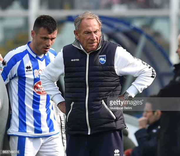 Zdenek Zeman head coach of Pescara Calcio during the Serie A match between Pescara Calcio and AC Milan at Adriatico Stadium on April 2 2017 in...