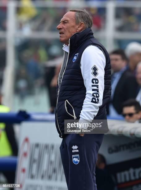Zdenek Zeman head coach of Pescara Calcio during the Serie A match between Pescara Calcio and AC Milan at Adriatico Stadium on April 2 2017 in...