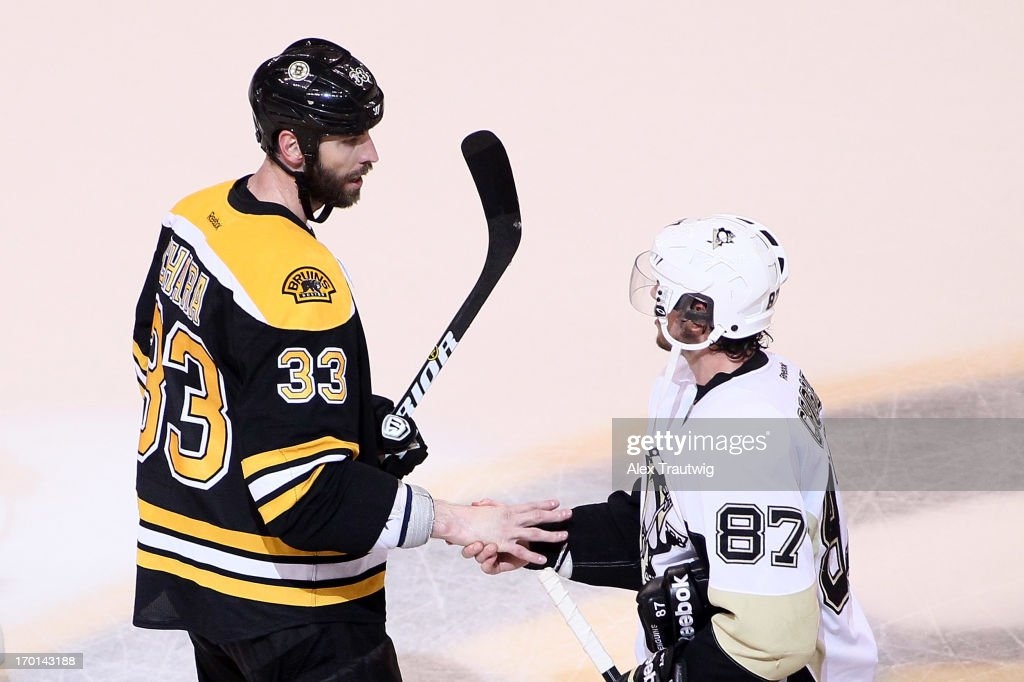 Zdeno Chara #33 of the Boston Bruins shakes hands with Sidney Crosby #87 of the Pittsburgh Penguins after the Bruins defeated the Penguins 1-0 in Game Four of the Eastern Conference Final during the 2013 Stanley Cup Playoffs at TD Garden on June 7, 2013 in Boston, Massachusetts.