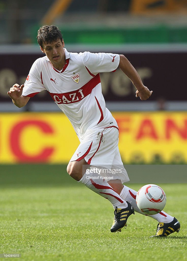 Zdravko Kuzmanovic of Stuttgart runs with the ball during the Bundesliga match between VfB Stuttgart and Borussia Moenchengladbach at Mercedes-Benz Arena on September 18, 2010 in Stuttgart, Germany.