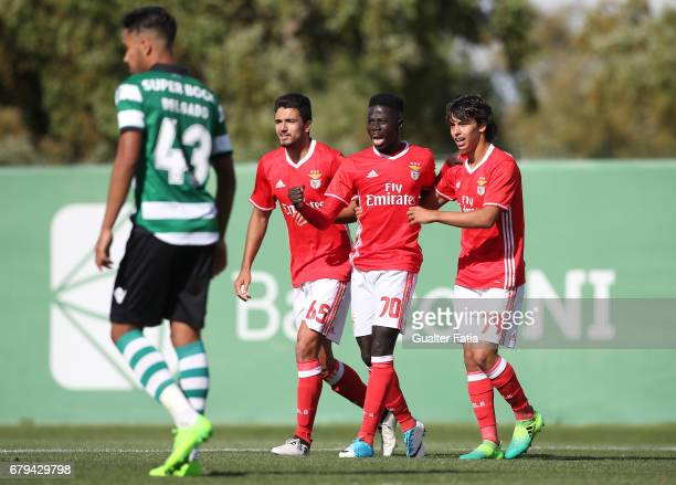 Ze Gomes of SL Benfica B celebrates with teammates after scoring a goal during the Segunda Liga match between Sporting CP B and SL Benfica B at CGD...