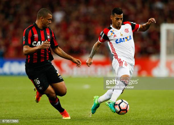 Ze Ivaldo of Atletico PR and Miguel Trauco of Flamengo in action during the match between Atletico PR of Brazil and Flamengo of Brazil for the Copa...