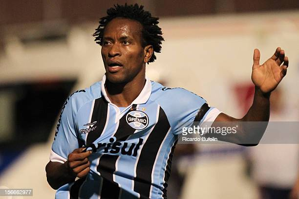 Ze Roberto of Gremio celebrates a goal against Portuguesa during a match between Portuguesa and Gremio as part of the Brazilian Championship Serie A...