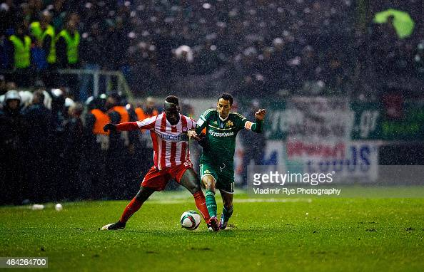 Zeca Goncalves of Panathinaikos and Arthur Masuaku of Olympiacos battle for the ball during the Superleague match between Panathinaikos FC and...