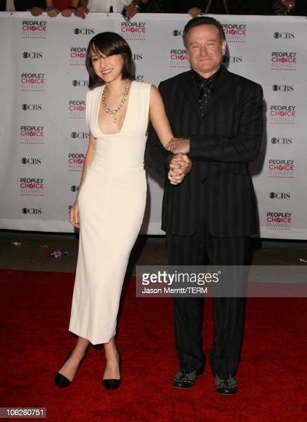 Zelda Williams and Robin Williams during 33rd Annual People's Choice Awards Arrivals at Shrine Auditorium in Los Angeles California United States