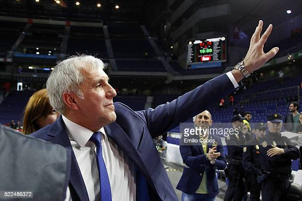 Zeljko Obradovic Head Coach of Fenerbahce Istanbul in action during the 20152016 Turkish Airlines Euroleague Basketball Playoffs Game 3 between Real...