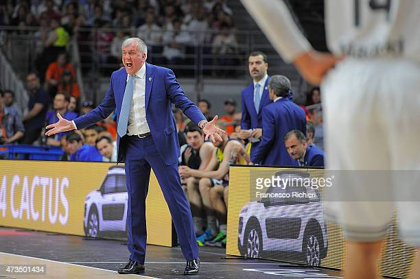 Zeljko Obradovic Head Coach of Fenerbahce Ulker Istanbul reacts during the Turkish Airlines Euroleague Final Four Madrid 2015 Semifinal A game...