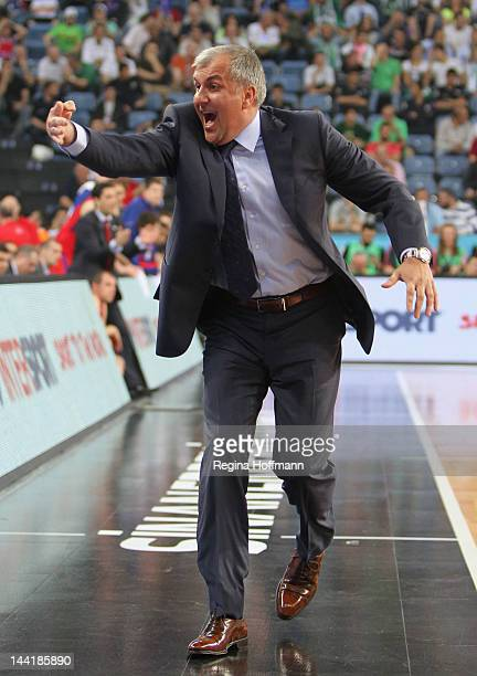 Zeljko Obradovic Head Coach of Panathinaikos Athens gestures during the Turkish Airlines EuroLeague Final Four Semi Final match between CSKA Moscow...