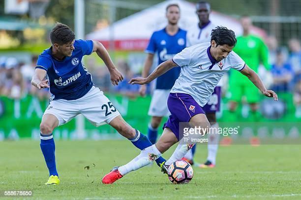 Zell am See Oesterreich Testspiel FC Schalke 04 AC Florenz KlaasJan Huntelaar gegen Mati Fernandez