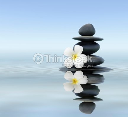 Piedras zen con frangipani foto de stock thinkstock Fotos piedras zen