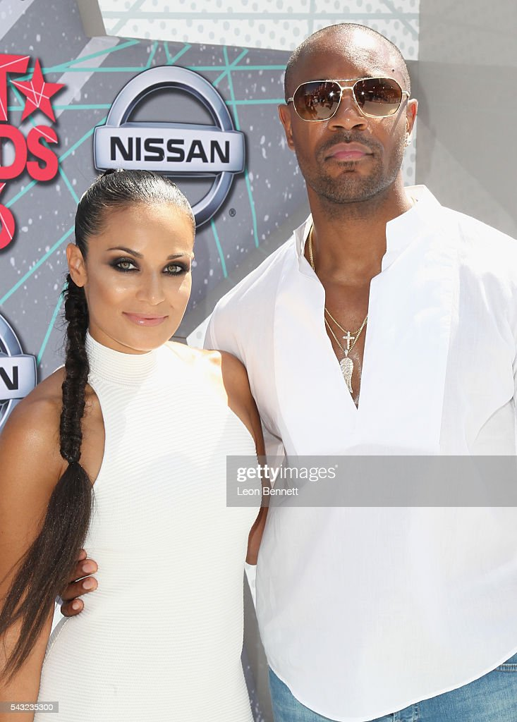 <a gi-track='captionPersonalityLinkClicked' href=/galleries/search?phrase=Zena+Foster&family=editorial&specificpeople=4204117 ng-click='$event.stopPropagation()'>Zena Foster</a> (L) and recording artist Tank Foster attend the Make A Wish VIP Experience at the 2016 BET Awards on June 26, 2016 in Los Angeles, California.