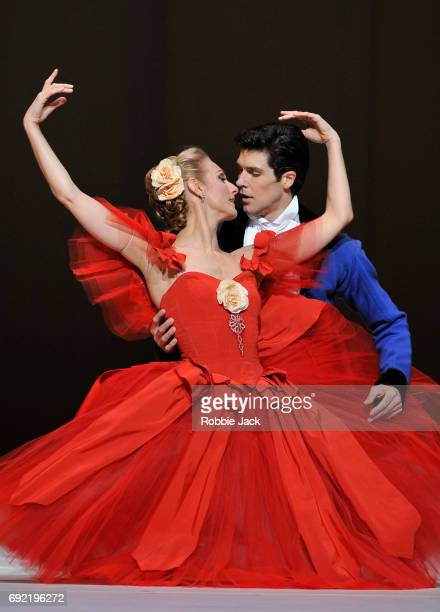 Zenaida Yanowsky as Marguerite and Frederico Bonelli as Armand in the Royal Ballet's production of Frederick Ashton's Marguerite and Armand at the...