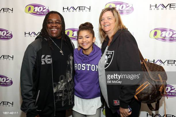 Zendaya Coleman poses with her father Kazembe Ajamu Coleman and mother Claire Stoermer at the Q012 Performance Theater October 17 2013 in Bala Cynwyd...