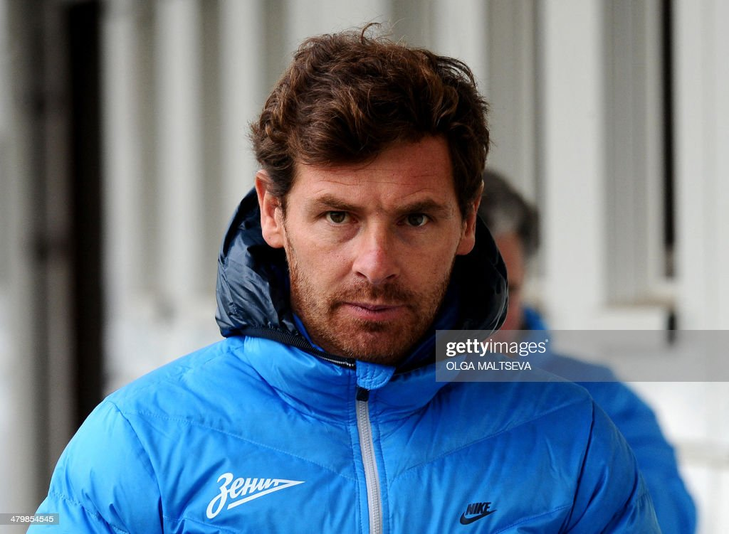 FC Zenit St Petersburg's new head coach Andre VillasBoas attends a training session of his team in St Petersburg on March 21 2014 Former Porto...