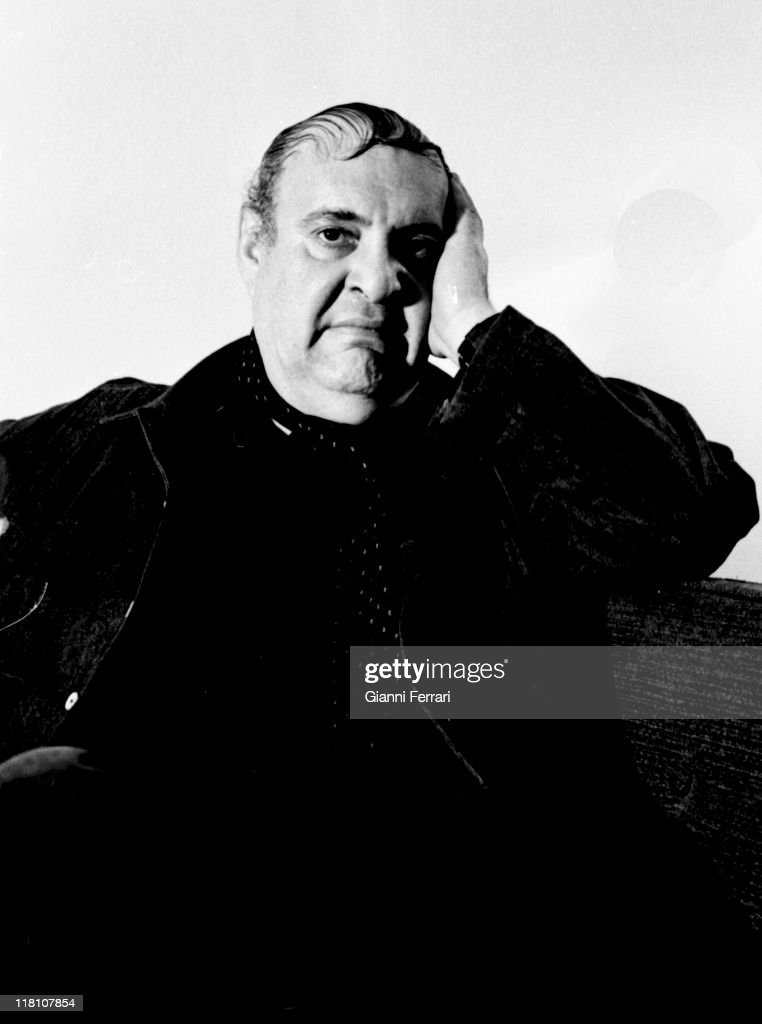 <a gi-track='captionPersonalityLinkClicked' href=/galleries/search?phrase=Zero+Mostel&family=editorial&specificpeople=207033 ng-click='$event.stopPropagation()'>Zero Mostel</a> in Madrid, 1969, Madrid, Spain.