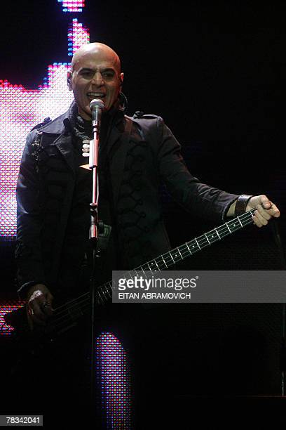 Zeta Bosio of Argentina's rock band Soda Stereo performs during the band 'Me veras volver' tour at the National Stadium in Lima 08 December 2007 AFP...