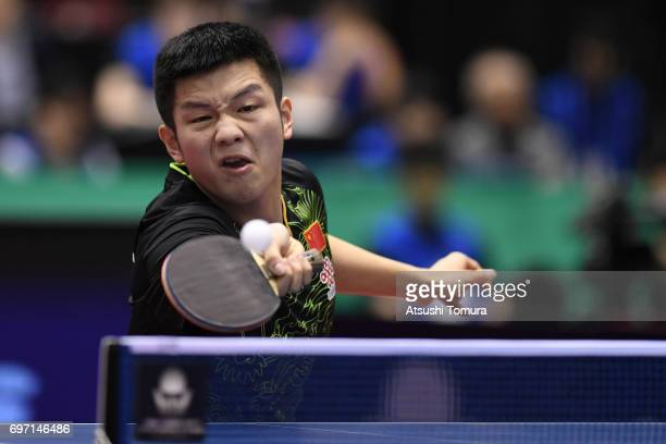 Zhendong Fan of China competes during the men's singles semi final match against Jun Mizutani of Japan on the day 5 of the 2017 ITTF World Tour...