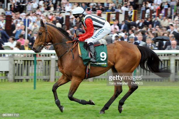 Zidane ridden by Jamie Spencer going to post for the Stan James 08000 383384 Palace House Stakes at Newmarket