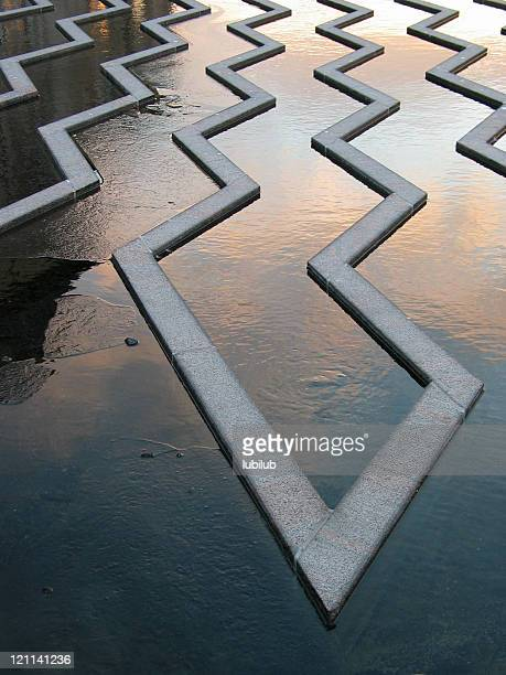Zigzag in fountain and frozen water
