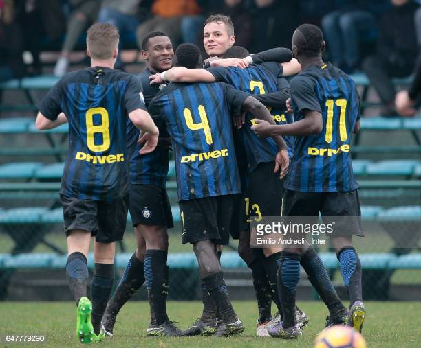 Zinco Vanheusden of FC Internazionale Milano celebrates his goal with his teammates during the Primavera Tim juvenile match between FC Internazionale...